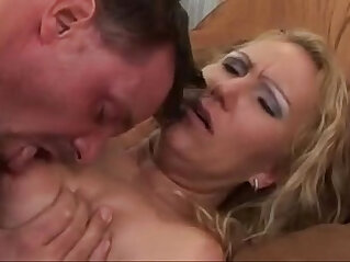 I Wanna Cum Inside Mom Scene by