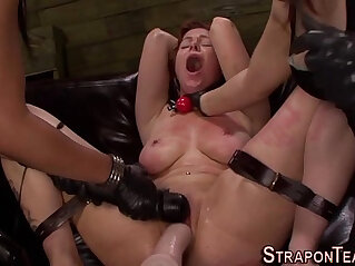 Tied les slave whipped