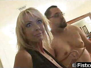 lady - Superb Ass Fisting Lady Rammed