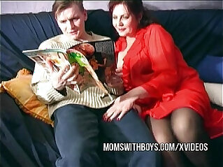 Mature Showing Porn video From The Real Thing