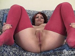 Chubby Hannah Vibrating Her Pussy