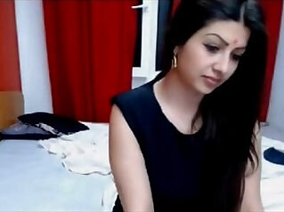 Hot Indian Cam Model Making Sex On Live Show