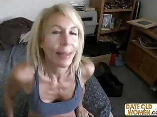 Hot gilf with her hairy wet pussy and gets big cock