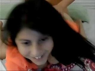 le gusta verse por webcam mientras se la cogen