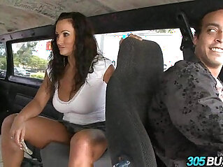 Pornstar Lisa Ann Rocks The