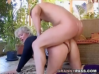 Busty amateur Blonde Granny Discovers Young Cock