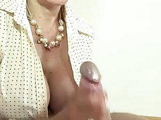 Cumshot for mature brit lady sonia