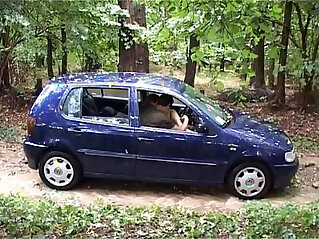 italian girl fuck outdoor in the car