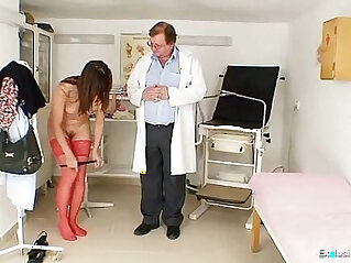 Kinky gyno doctor fingers her tight pussy of hot brunette