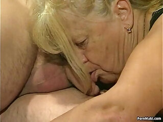 Two granny fucked in foursome action
