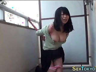 Japanese babe tied up